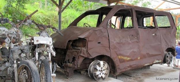 Mobil APV yang sempat berjasa ketika mengungsikan para warga desa ke barak-barak terdekat.