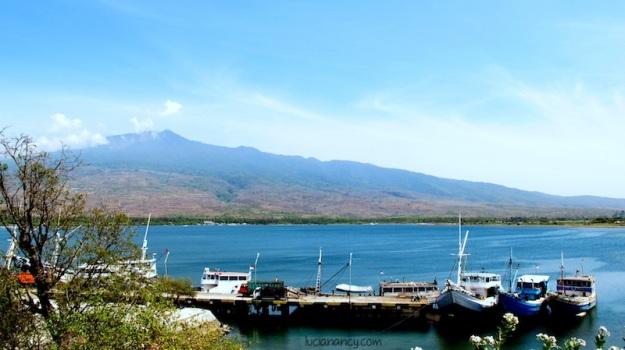 Sebentar-sebentar berhenti, Lombok terlalu cantik untuk nggak difoto!