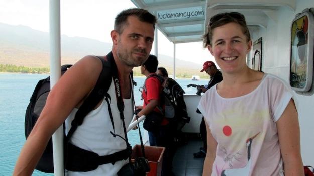 Pasangan dari Belanda yang sedang berlibur di Indonesia selama 2 minggu. They're heading to Komodo Island.