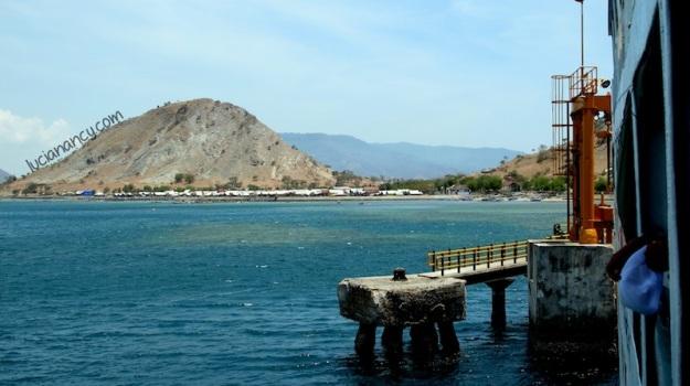 Dermaga Pelabuhan Pototano, Pulau Sumbawa, Nusa Tenggara Barat.