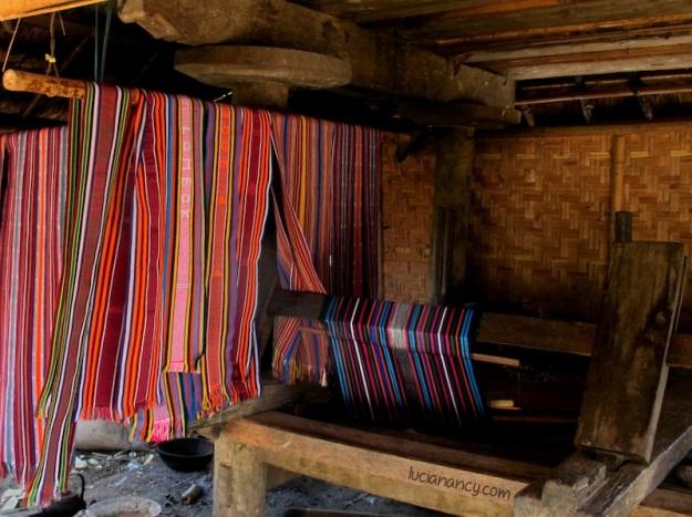 Alat pembuat tenun yang masih tradisional.