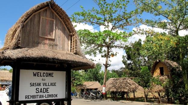 Hidden Paradise terios 7 wonders ke-5: Desa Sade, Lombok Tengah.