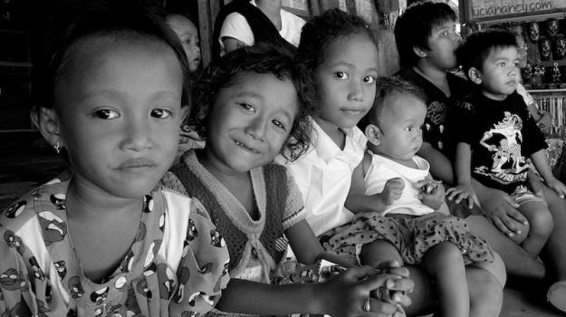 Anak-anak Desa Sade.