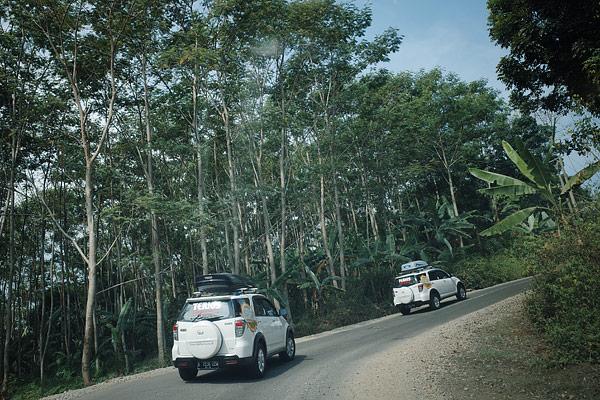 Menurut salah 1 driver yang sudah sering offroad, rute menuju Sawarna adalah rute yang paling ekstrim di antara rute-rute menuju 6 destinasi lainnya.