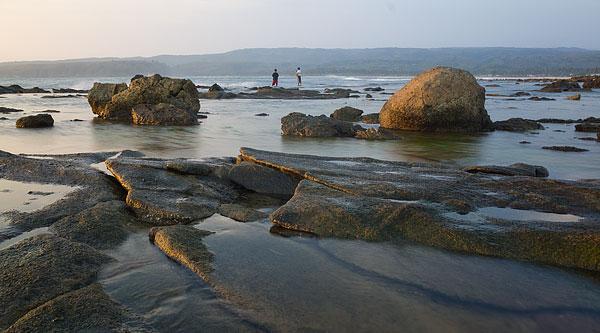Pantai Tanjung Layar. Dokumentasi Wira nurmansyah, rekan blogger dalam tim Terios 7 Wonders.